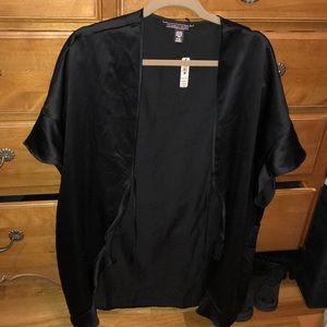 NWT VS black short sleeve ruffle robe
